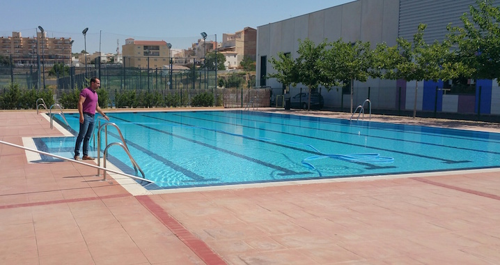 Abren las tres piscinas municipales de albox la comarca for Piscinas de artxanda